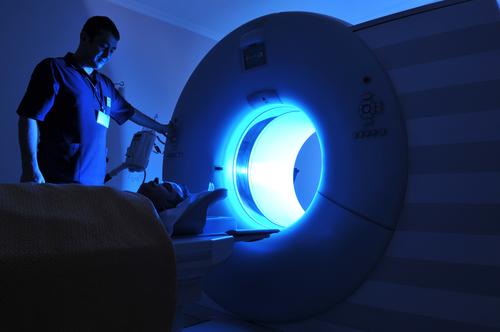 קרינה ממכשיר MRI (אילוסטרציה)