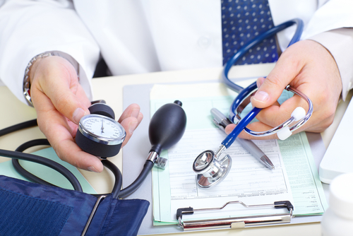 למעט יתר-לחץ דם, נמצאו פערים סטטיסטיים מובהקים