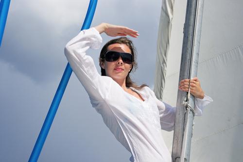 יכולות להרשות לעצמן לבלות יותר זמן בפעילויות פנאי בשמש