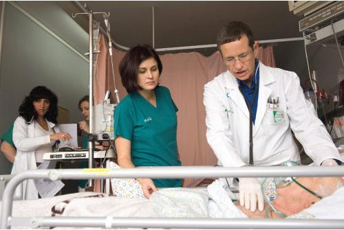"""פרופ' ביטרמן: """"בארה""""ב מעודדים להעמיק ברפואה הפנימית"""" צילום: יונתן בלוםפרופ' ביטרמן: """"בארה""""ב להעמיק ברפואה הפנימית."""" צילום: יונתן בלום"""