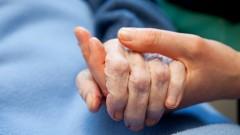 הטיפול בחולי אלצהיימר רב, ומטיל מעמסה רגשית כבדה על המטפלים