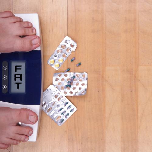 טיפול משולב עם טופיראמאט ופנטרמין באנשים שסובלים מהשמנה