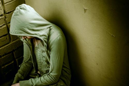 דיכאון בבני-נוער שעברו התעללות. אילוסטרציה