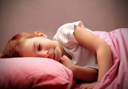 ילדים הסובלים מדום נשימה חסימתי בשינה (אילוסטרציה)