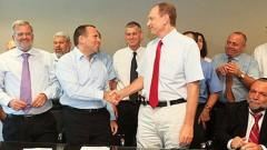 """ד""""ר אידלמן ואילן לוין במעמד החתימה על ההסכם עם משרד האוצר (צילום: אסף שילה/ישראל סאן)"""