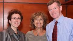 """ד""""ר ג'ון סטרנג' ,פרופסור דיאנה גייטיני וד""""ר דבורה רובינס (צילום: בי""""ח רמב""""ם)"""