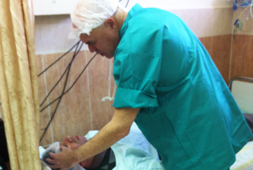 """משלחת רופאי עיניים מ""""שיבא"""" בשכם (צילום: ד""""ר דידי פביאן)"""