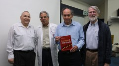 """בצילום מימין לשמאל: ד""""ר אלן טמפלטון, פרופסור זאב הוכברג, פרופסור עמוס עציוני ופרופסור מיכאל אבירם"""