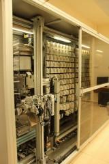 מערך התרופות בארון כפי שמסודרות על ידי הרובוט