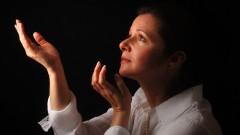 איגוד הפסיכיאטריה: נשים נוטות יותר מגברים ליפול ברשתן של כתות
