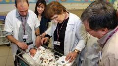 """בתמונה: בדיקת סקר שמיעה ברמב""""ם. מימין אורנה מיק. משמאל ד""""ר אריה גורדין. (צילום: פיוטר פליטר)"""
