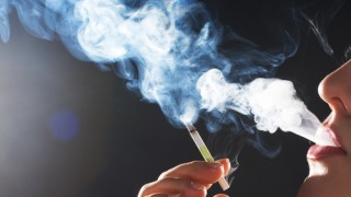 63% מהלא-מעשנים בישראל חשופים לעישון פסיבי (אילוסטרציה)