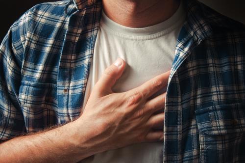 כאב בחזה (אילוסטרציה)