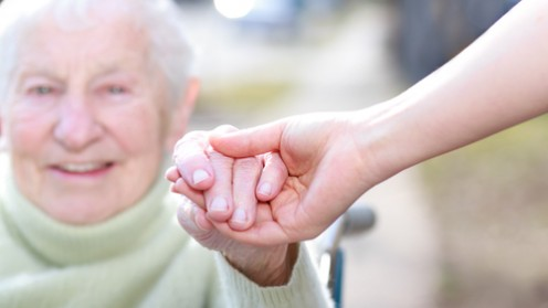 תכנית אימון למניעת נפילות של קשישים (אילוסטרציה)
