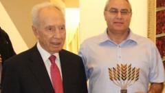 """ד""""ר ליאור ששון יחד עם נשיא המדינה, שמעון פרס (צלם: יוסף אבי-יאיר אנג'ל, יועץ לנשיא. באדיבות וולפסון)"""