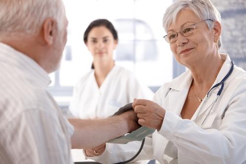 אמפתיה מצד הרופא מעלה את סבילות המטופל לכאב (אילוסטרציה)