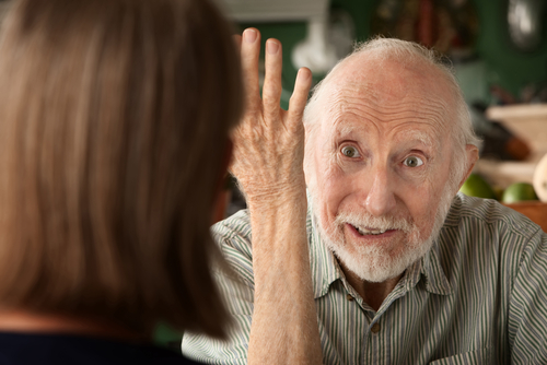 חולה אלצהיימר הסובל מתסמיני פסיכוזה (אילוסטרציה)