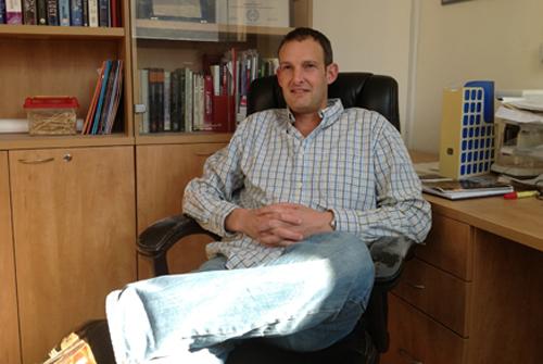 דוקטור רון דזיקובסקי (צילום באדיבות האוניברסיטה העברית)