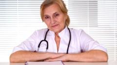 רופאת ילדים בת 75 נדרשה לפרוש מחמת גיל (אילוסטרציה)
