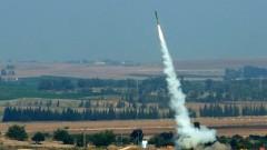 שיגור רקטת קסאם לכיוון ישראל (צילום: מנדי הכטמן / פלאש 90)