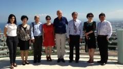 המבקרים מבית החולים בסין (צילום: ענת אהרונוביץ)