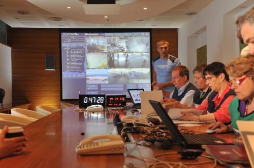 """צוות שעת חירום של רמב""""ם, מתרגל בעבר את השימוש במערכת הממוחשבת (צילום: בן יוסטר)"""
