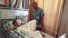 """פצוע סורי בן 12, שנישא על חמור עד לגבול ישראל, מקבל טיפול בבית החולים """"זיו"""" בצפת (צילום: """"זיו"""")"""