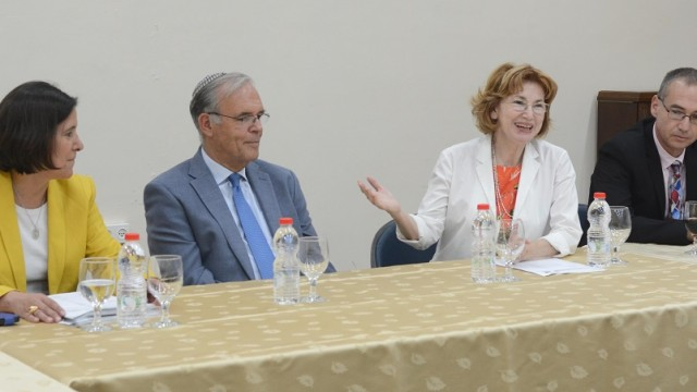 ישיבת ועדת סל הבריאות (צילום: משרד הבריאות)
