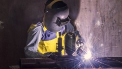 עובד במפעל (צילום: אילוסטרציה)