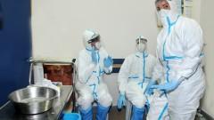 """צוות בבית החולים """"סורוקה"""" מתמגן בפני נגיף האבולה (צילום: """"סורוקה"""")"""