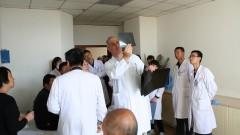 """ד""""ר אורן בן-לולו, במהלך פעילותו בסין (צילום: פרטי)"""