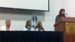 """מימין: ד""""ר אמירה כהן, ד""""ר ארנה טל, איריס רשף וד""""ר דרור מר-חיים (צילום: """"אסף הרופא"""")"""